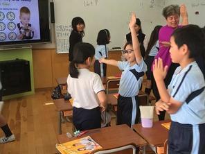 (動)4年生英語の時間