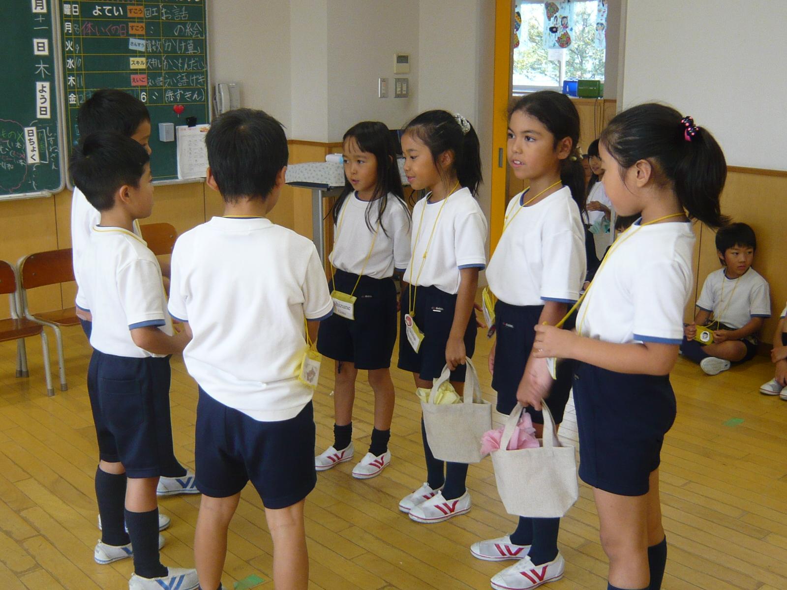 (動)英語劇練習~2年生 : デイリースナップで見る学びのポイント - 岐阜聖徳学園大学附属小学校