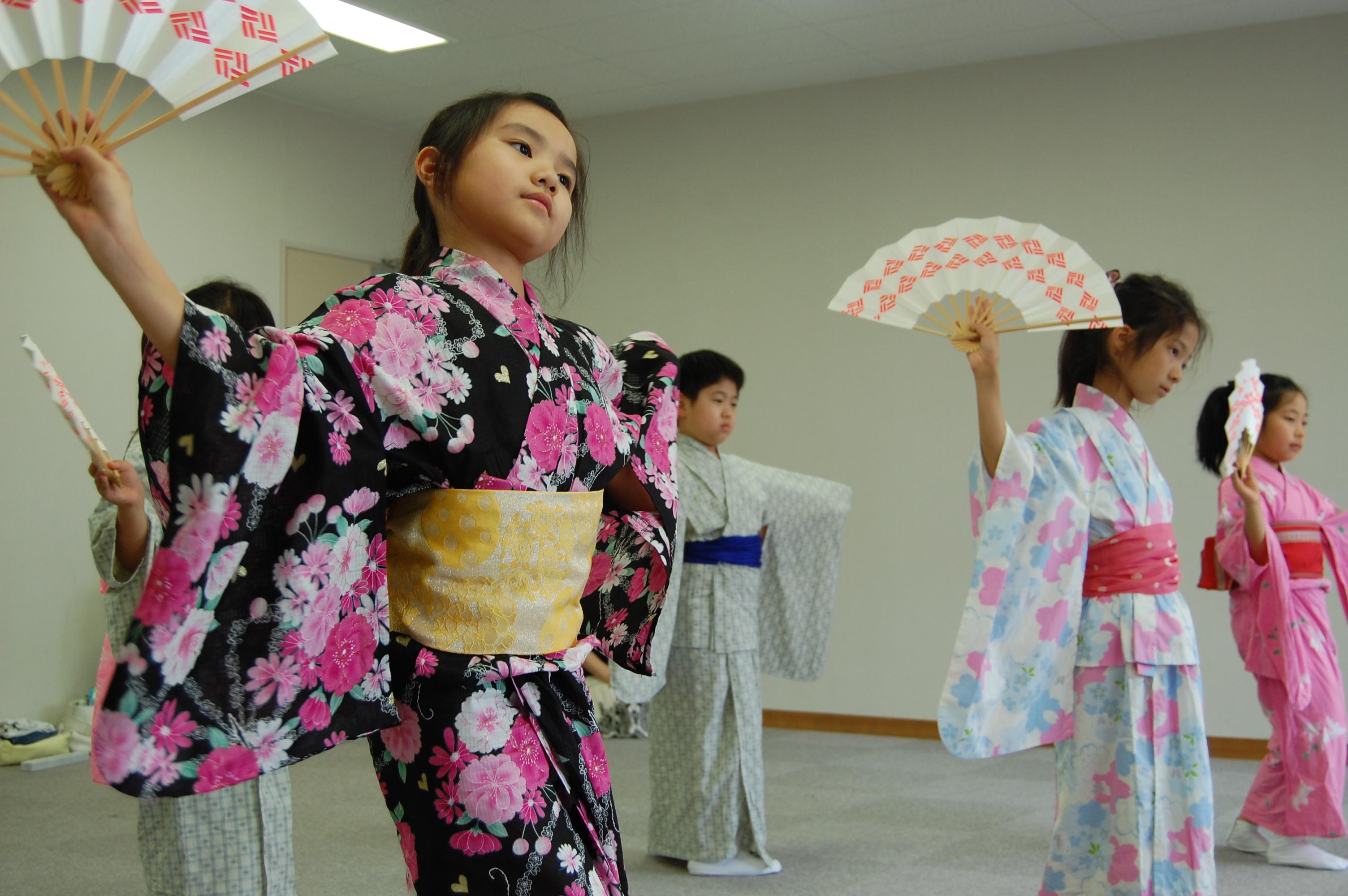 動)夏休み日本舞踊教室 : デイ...