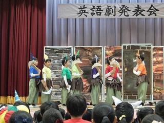 (動)英語劇発表会2組~白雪姫