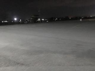 駐車場に夜間照明設置