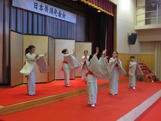 日本舞踊発表会(2年)の写真を公開します