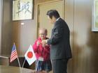 細江市長に表敬訪問するシンシナティ市からの留学生たち