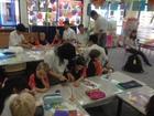 現地の幼稚園を訪問しています!