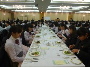 洋食のテーブルマナー講座