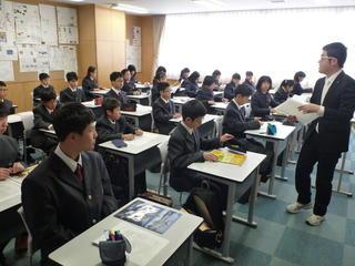 入学式後、学活教室へ。