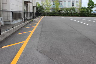 附属小学校南側駐車場のご利用について