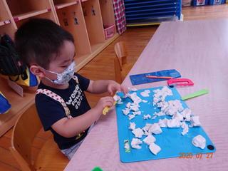 たんぽぽ組(満3歳児)さんの遊び(7月)