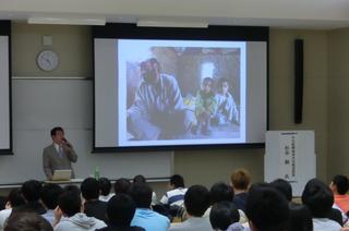 新聞で学ぶ「アジアの子どもたちの生活」