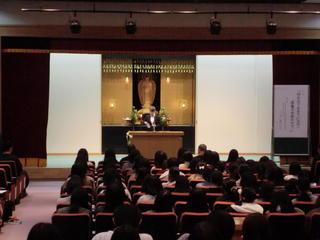 平成29年度 報恩講の集い(短期大学部)を開催しました