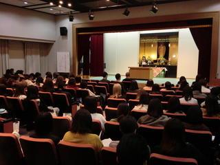 令和元年度 報恩講の集い(短期大学部)が開催されました。