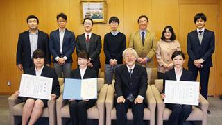 日本仏教保育協会賞など各賞を受賞